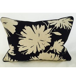 Ryan Studio 14x20 Pillow-Piped-Daisyfield Black