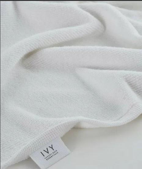 Ivy Nova/Terry Jacquard Border White Hand
