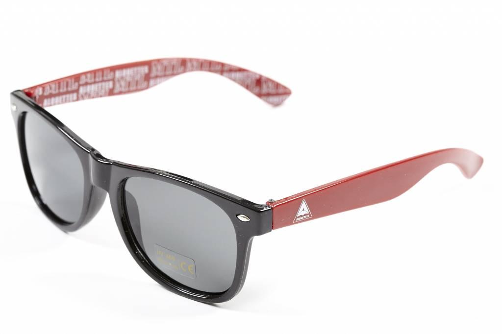 pophead lunettes de soleil rouge les alouettes de montr al. Black Bedroom Furniture Sets. Home Design Ideas