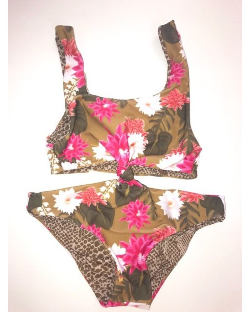 Acacia Honey Colombia One Piece Lei Day
