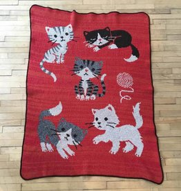 Green 3 Apparel Multiple Kitty Jr. Throw-orange