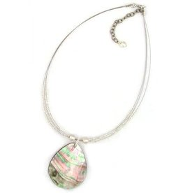 WorldFinds Shell Pendant Necklace