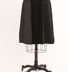 Green 3 Apparel Black Woven Panel Short Skirt