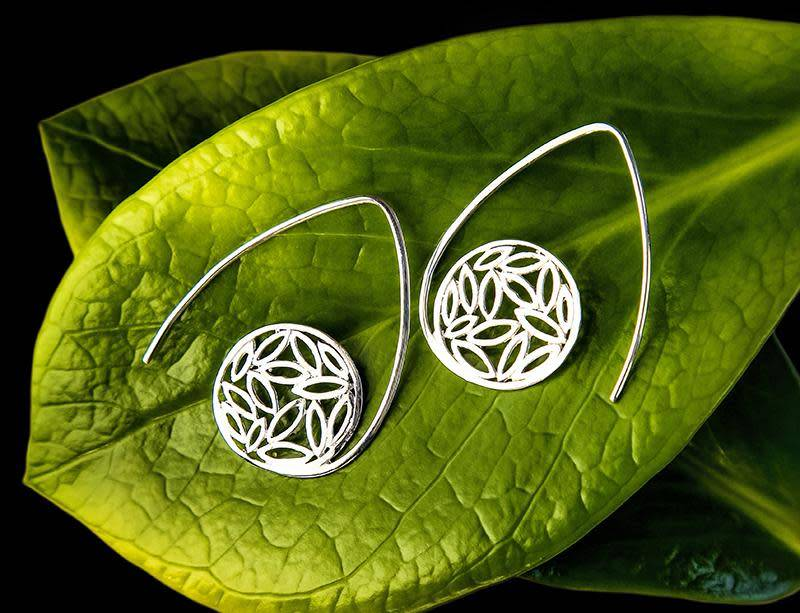 Bentuk Earrings
