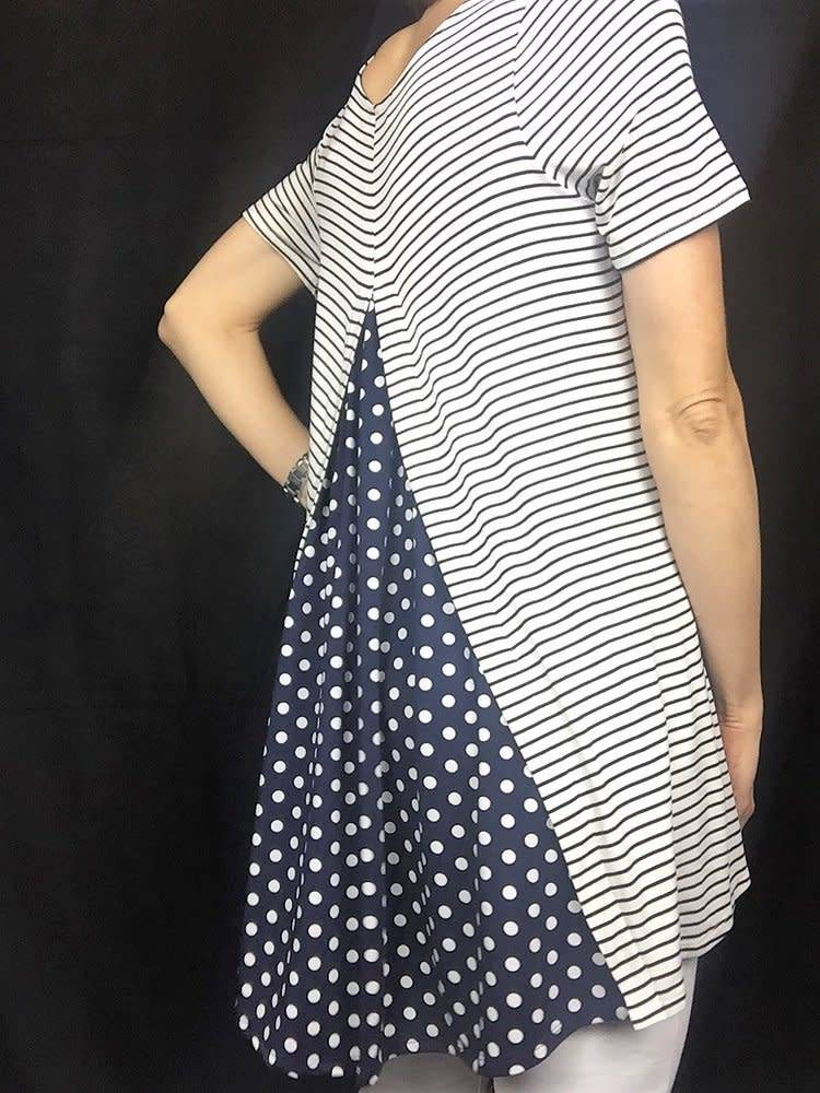 D and D Wholesale High Low Pattern Top