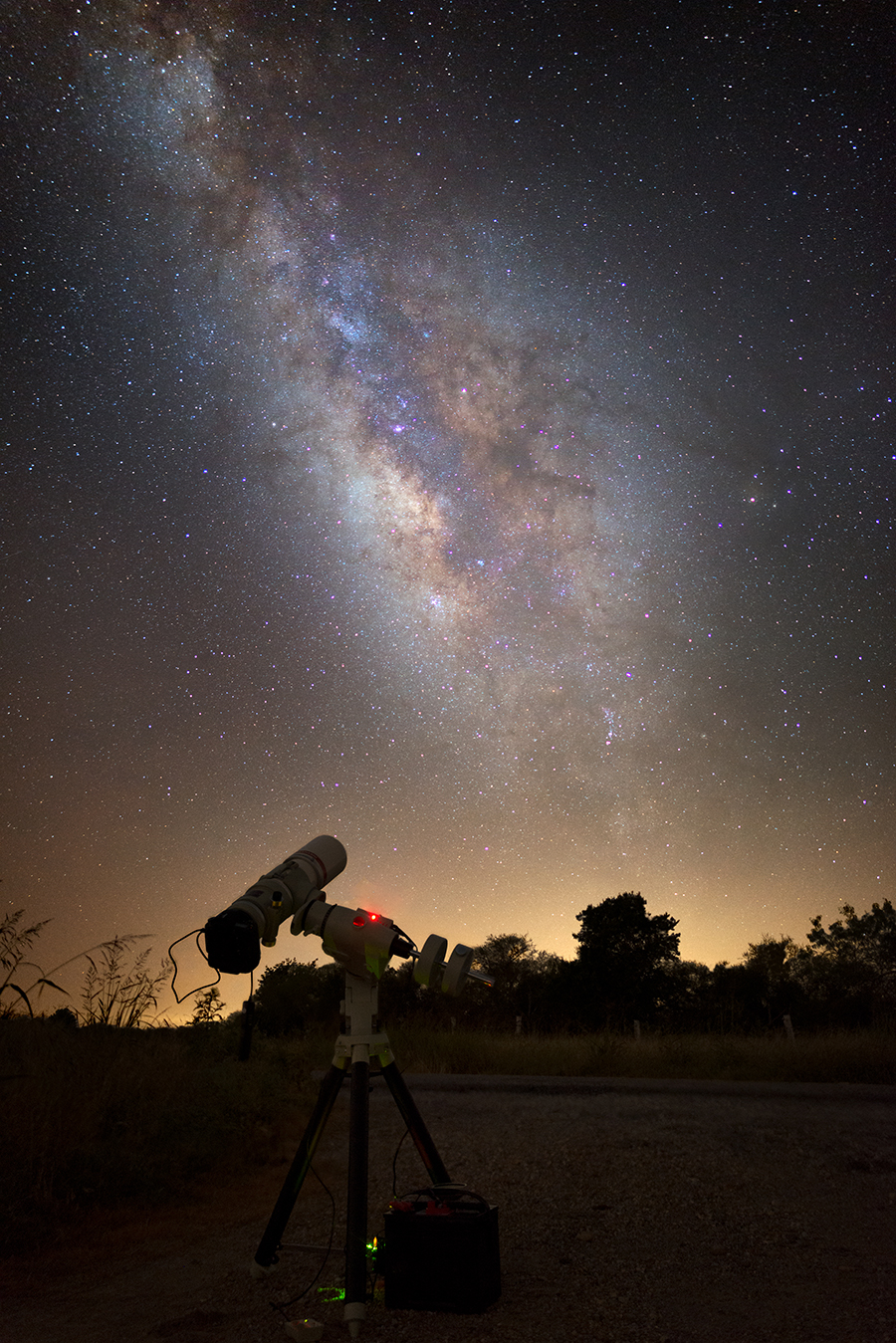 The FSQ-106EDX4 under the Milky Way