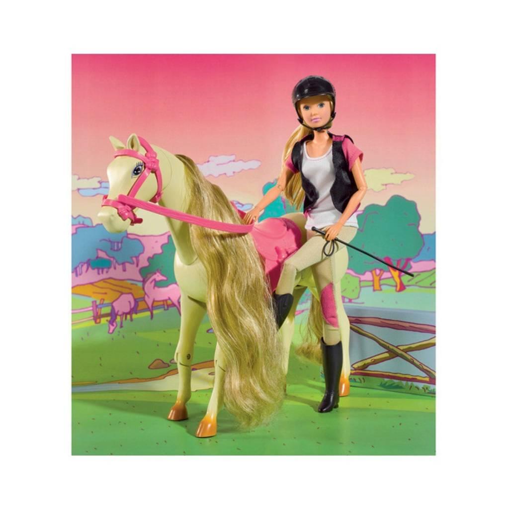Steffi Cheval et cavalière
