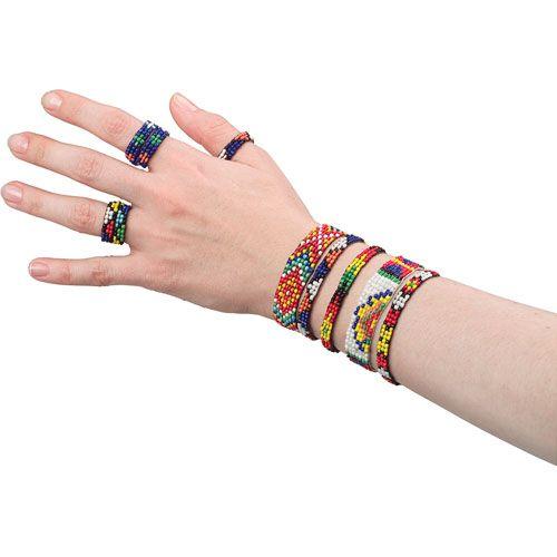 Fabrique de bracelets et de bagues