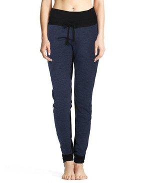 Karma Athletics EMELIE - Pantalons (Bleu Nuit)