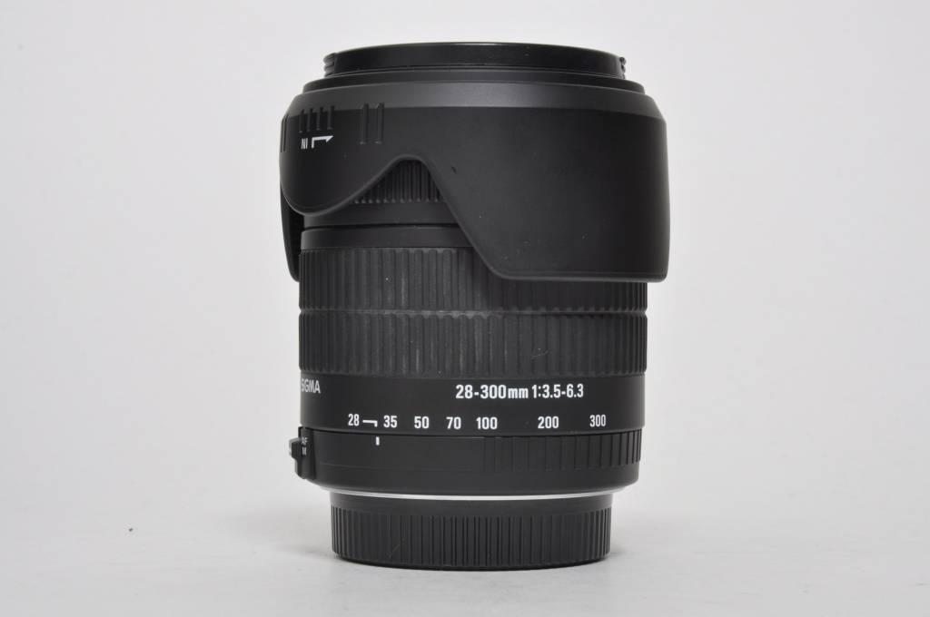 Sigma 28-300mm SN: 1004067