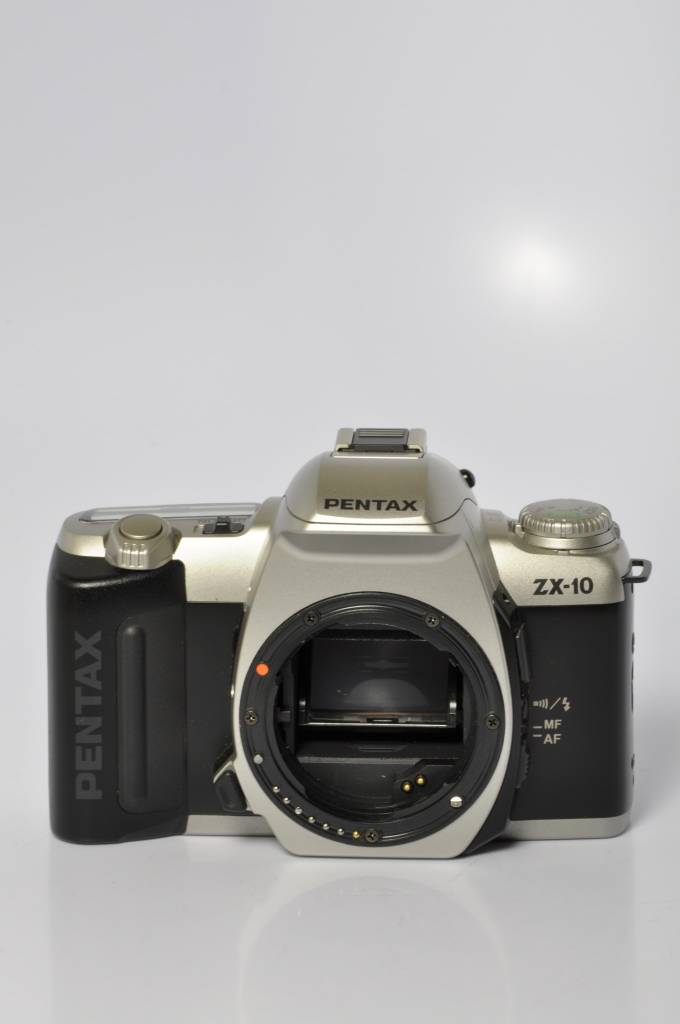 Pentax Pentax ZX-10 SN: 8102882