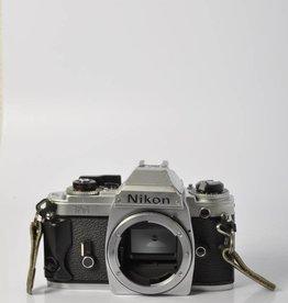 Nikon Nikon FG SN: 8240690