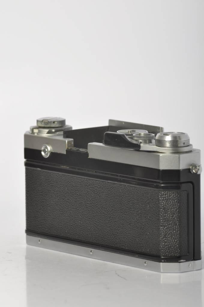 Nikon Nikon F2 w/DP11