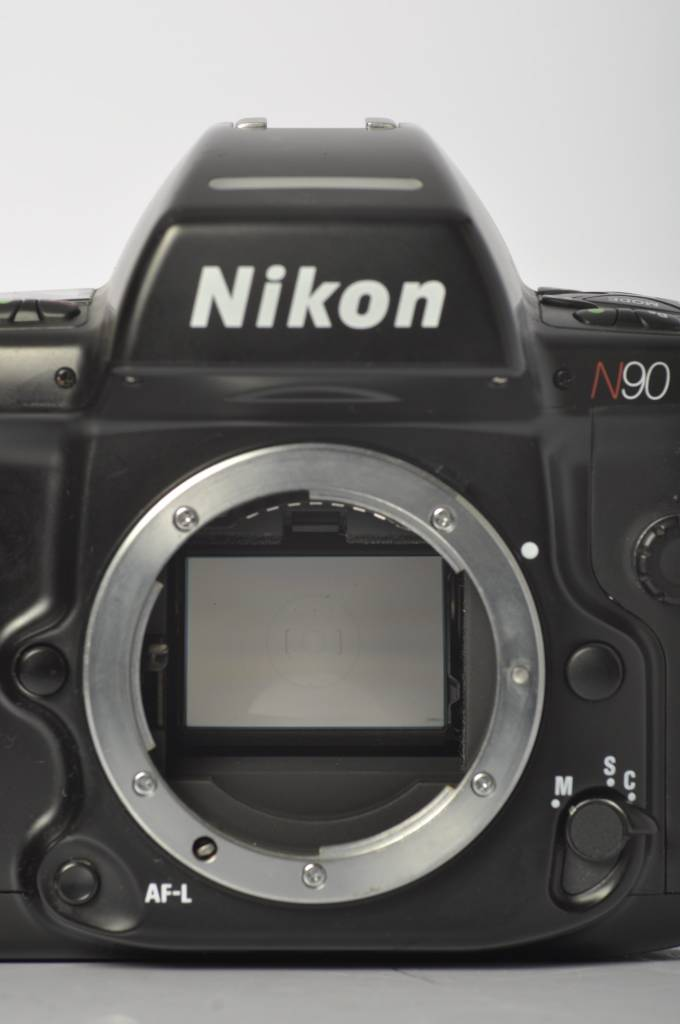 Nikon Nikon N90 SN:2118329