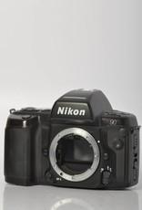 Nikon Nikon N90s w/ MB-10 SN: 2529895