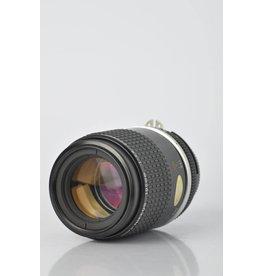 Nikon Nikon 105mm F/2.8 SN: 206457