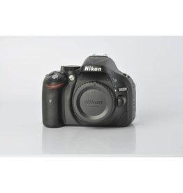 Nikon Nikon D5200 SN: 2808086