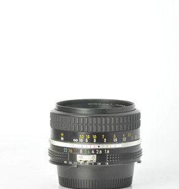 Nikon Nikon 50mm F/1.8 SN: 2122095