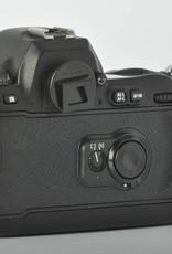 Nikon Nikon F100 Professional 35mm F mount Camera Body