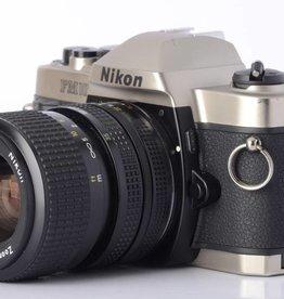 Nikon Nikon FM-10 SLR Camera with 35-70mm f/3.5-4.8 Zoom Lens