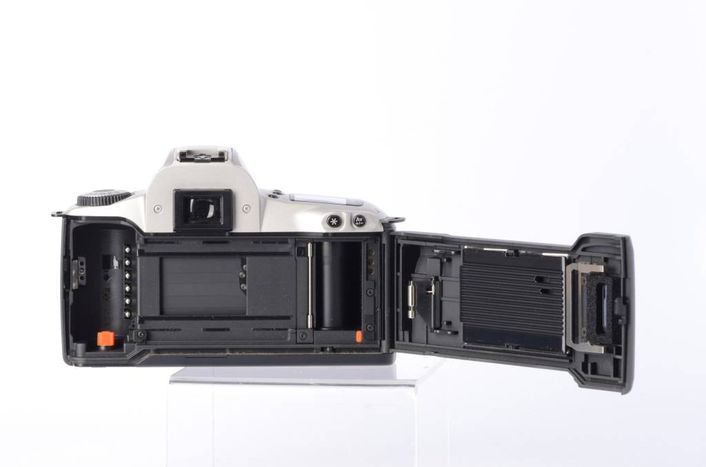 Canon Rebel 2000 35mm Camera
