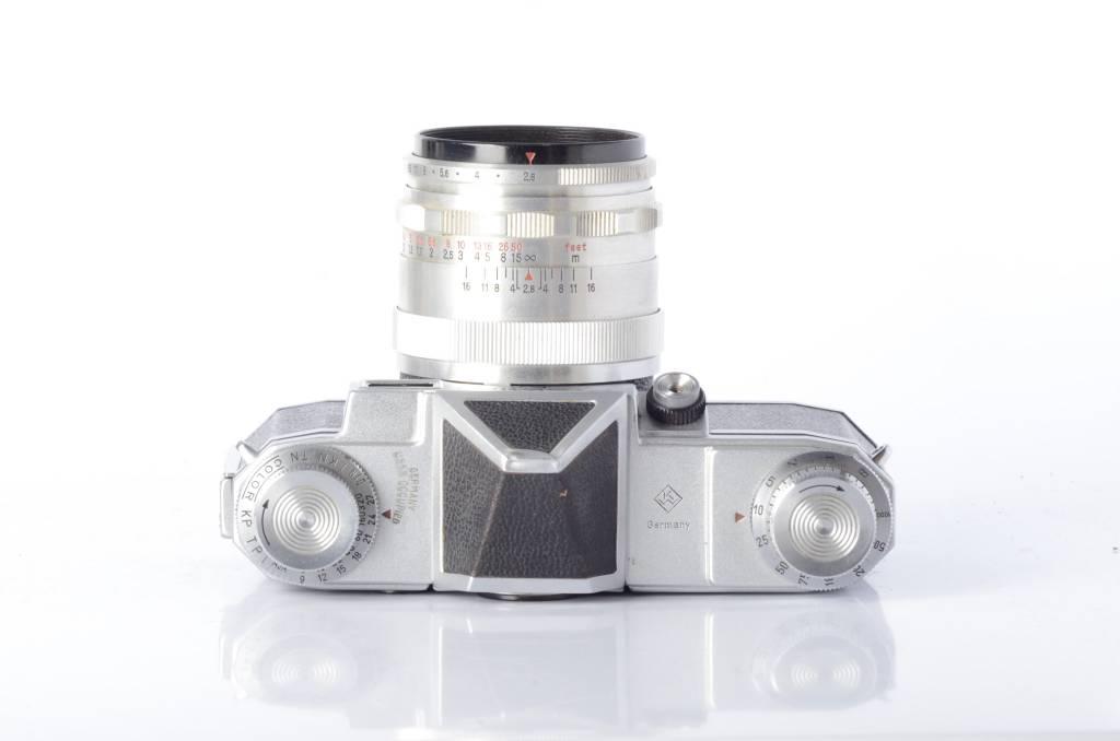 Praktina Praktina FX w/Tessar 50mm f/2.8