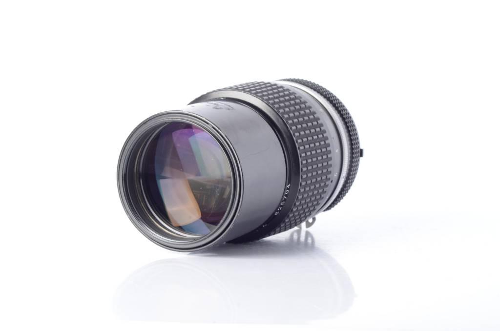 Nikon Nikon 200mm F4 AI Telephoto lens