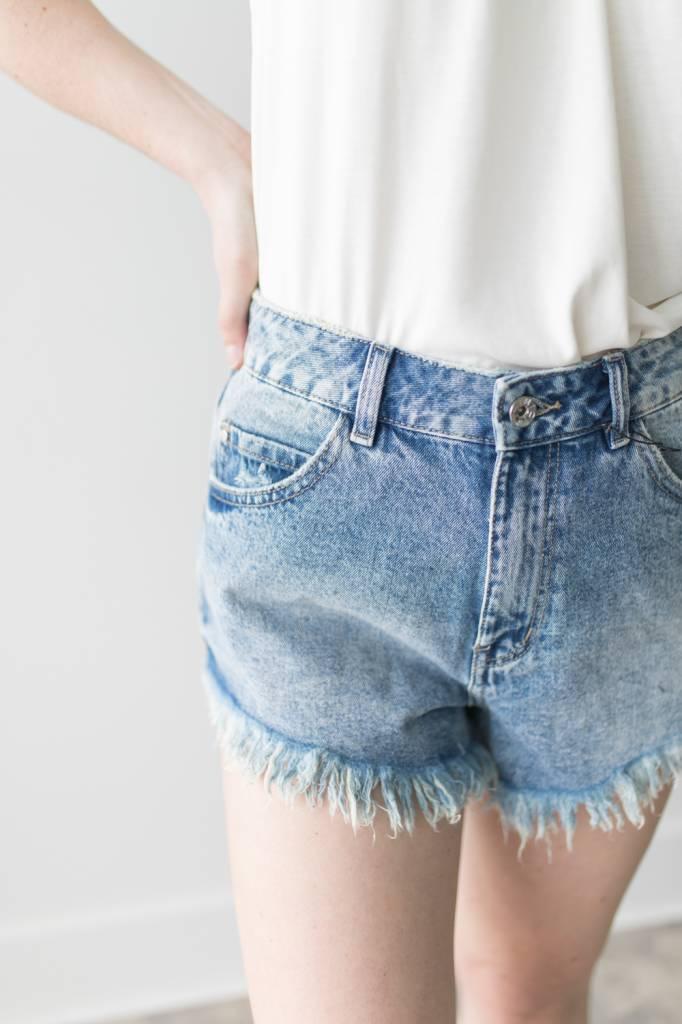 Nineteen HR Fringe Hem Shorts