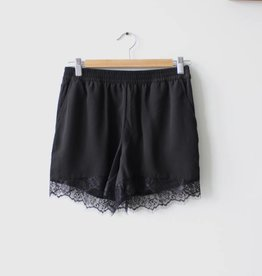 Aida Lace Solid Shorts