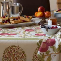 Tablecloths & Runners