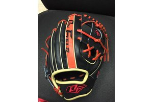 On Field On Field Pro Series OF-1 Black/Red 11.5''