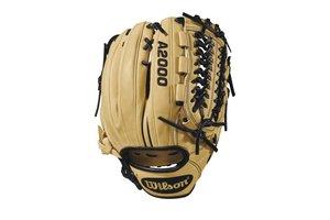 """Wilson Wilson 2018 A2000 D33 11.75"""" Pitcher's Baseball Glove - Right Hand Throw"""