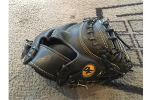On Field On Field Pro Series japanese kip OF-MB Black/gold youth catcher glove