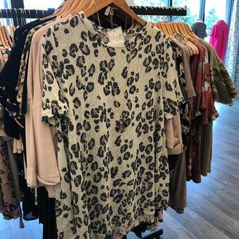 Short Sleeve Leopard Print Top