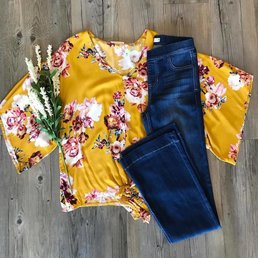 Floral Top W/ Tie Front