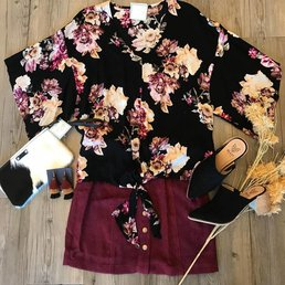 Floral Top W/ Tie Front