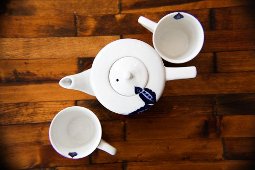 Craft Link Delicate Blue Flower Teapot and Dainty Cups