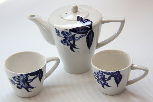 Craft Link *Delicate Blue Flower Teapot and Dainty Cups