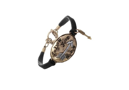 Crystal Avenue Oval Follow Your Arrow Leather Bracelet Black / Gold