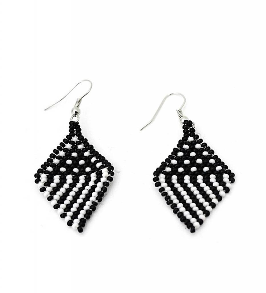 *CM Black & White Diamond Design Earrings