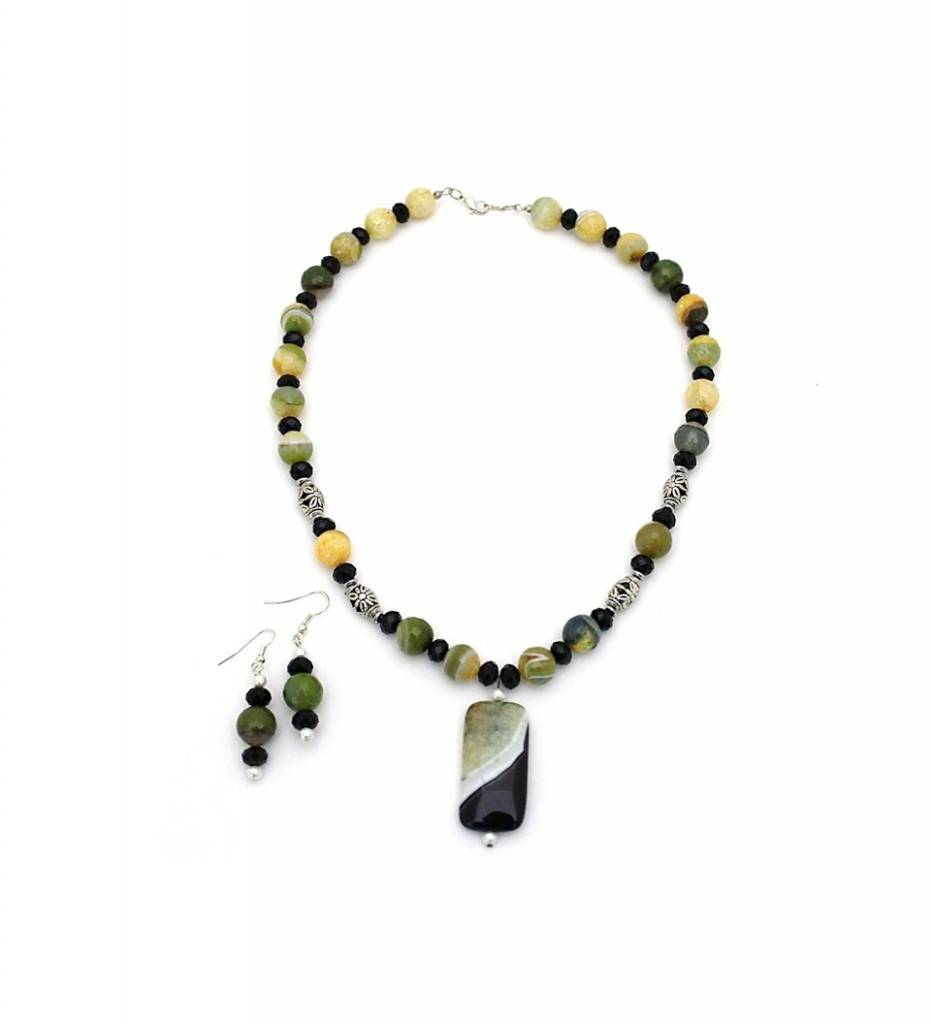 *JM Green / Black Agate Pendant and Multi Colored Beads Necklace & Earrings Set