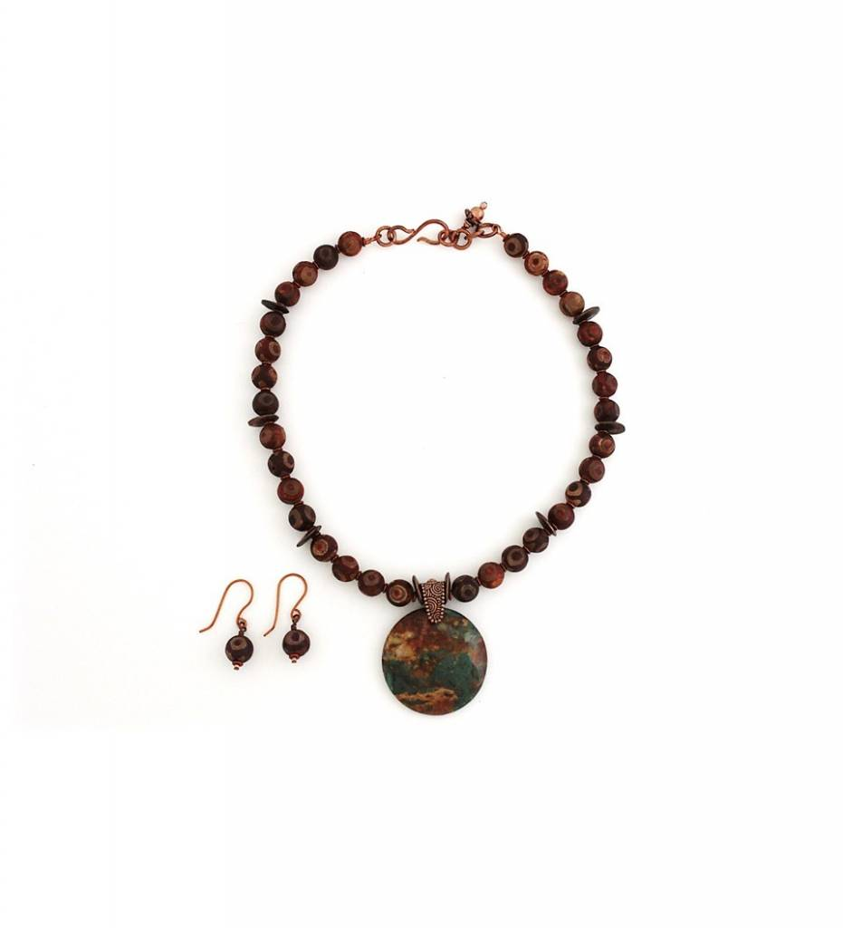 *TS Rust & Green Pendant with Beaded Necklace & Earrings Set