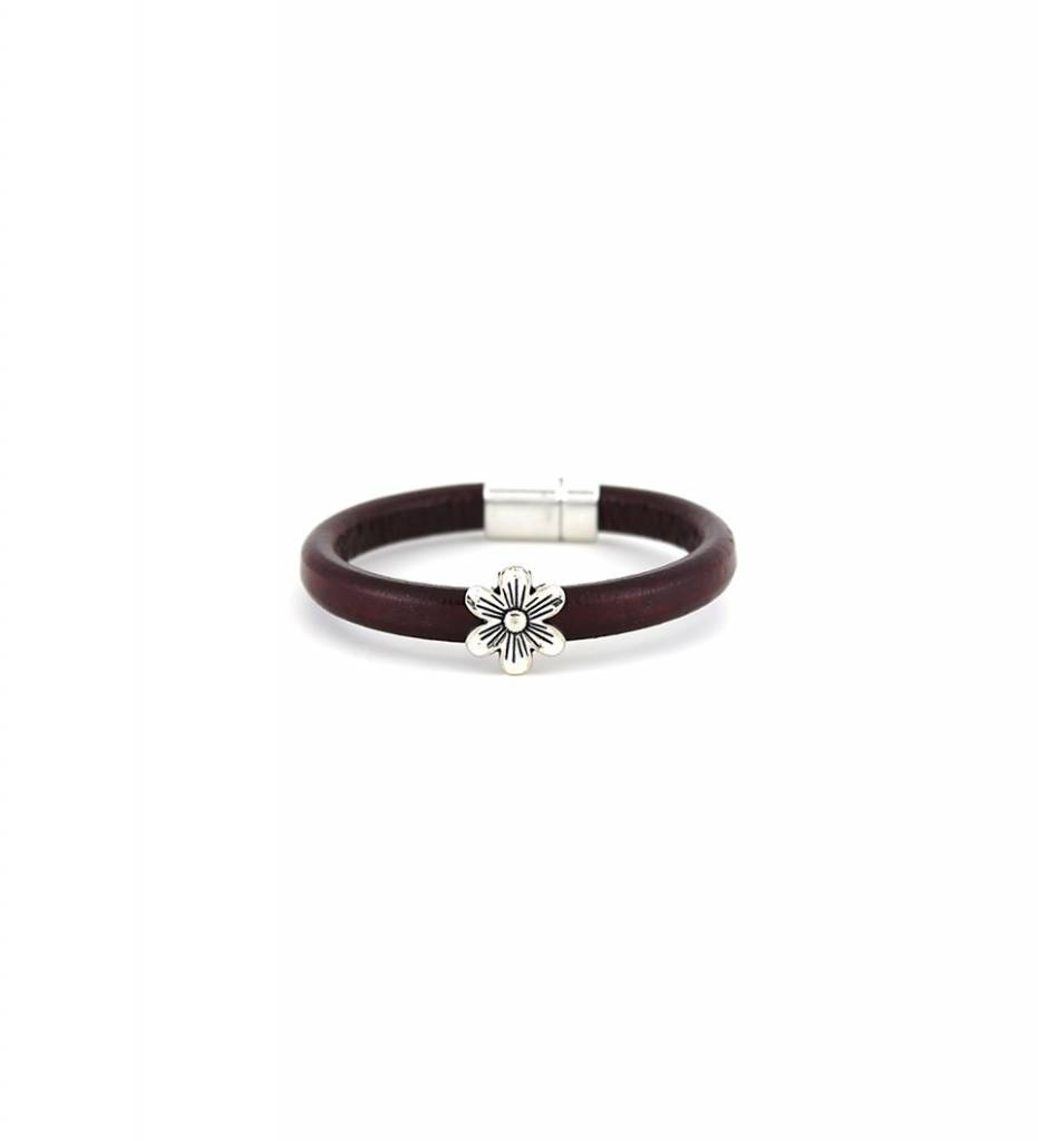 *JM Silver Flower Charm with Brown Leather BRACELET