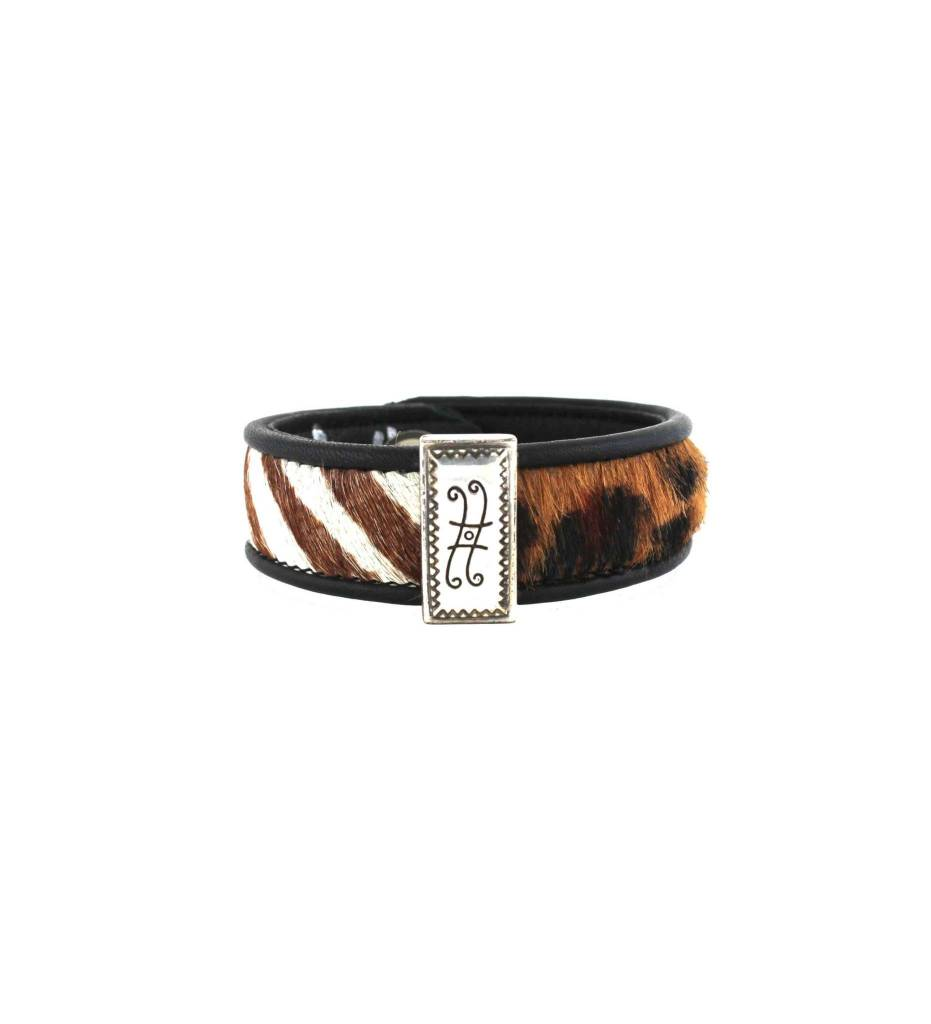 *GJ Animal Print on Leather Bracelet