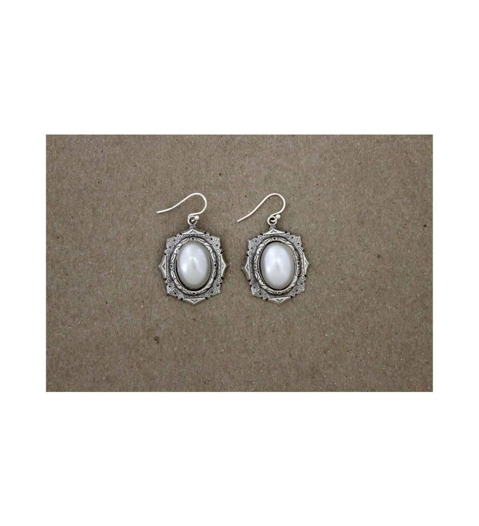 *GJ Pearl/Silver Earrings