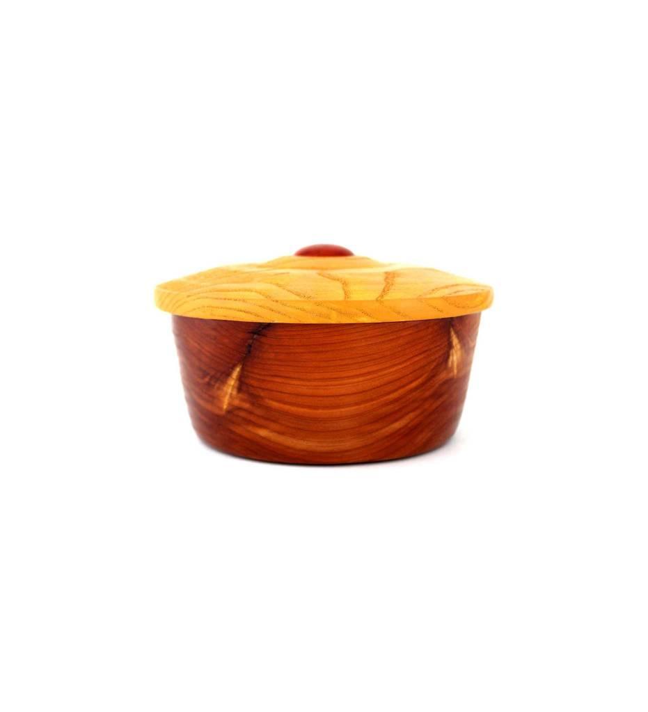 *KWC Red Cedar Round Box w/Oak Lid Red Jasper Center