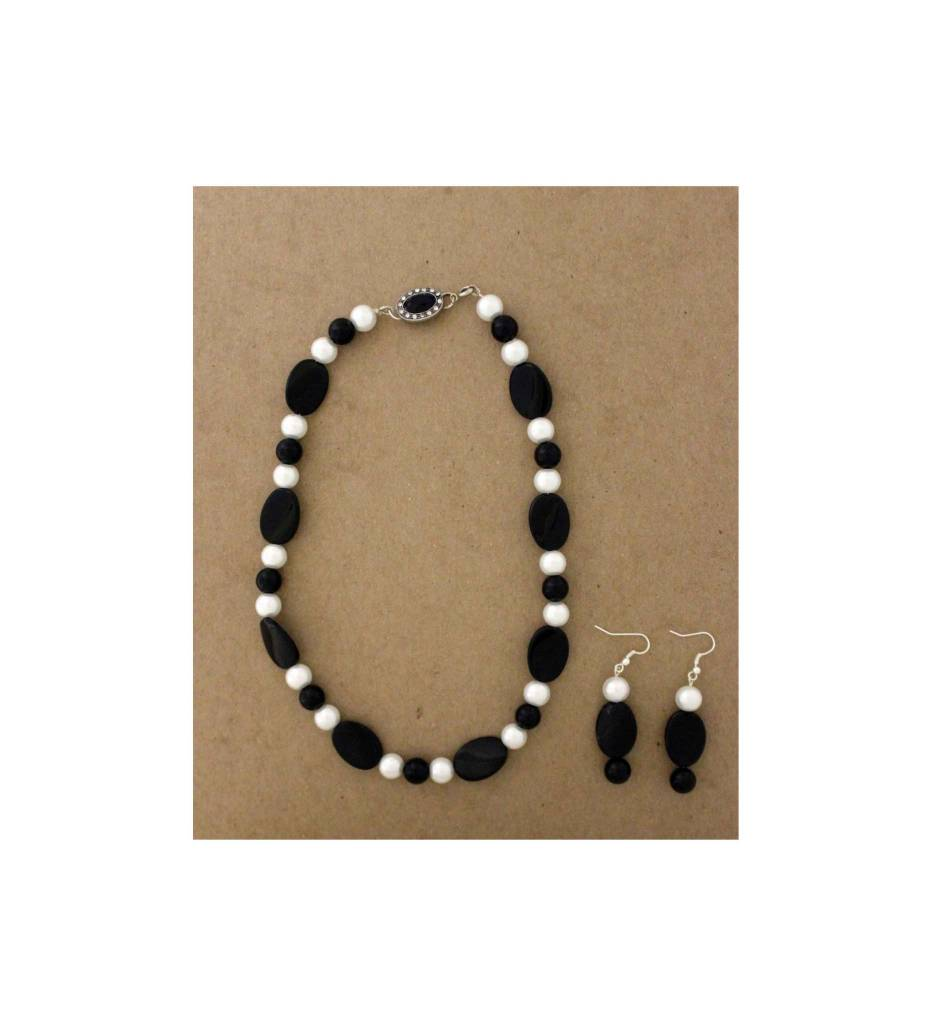 *JM Pearl & Black Glass Necklace/Earring Set #18510