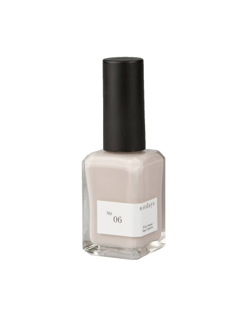 Sundays Nail Polish in No. 06