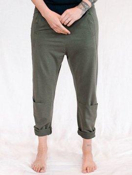 humanoid fellow trouser