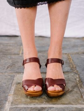 Kitty Clogs mid dansare garnet dark